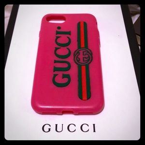 Gucci iPhone 7 pink logo case